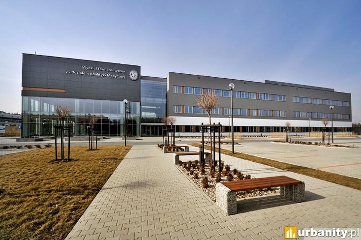 Miniaturka Zintegrowane Centrum Edukacji i Innowacji Wydziału Farmaceutycznego Akademii Medycznej