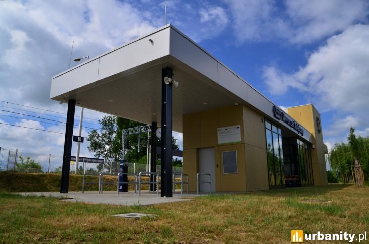 Miniaturka [Biskupice Wielkopolskie] Dworzec kolejowy PKP