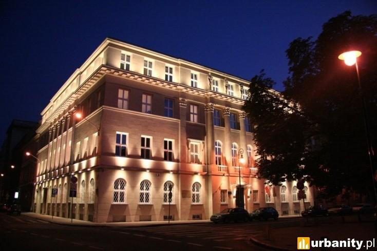 Miniaturka Plac Dąbrowskiego 1
