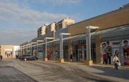 Street Mall Vis a Vis