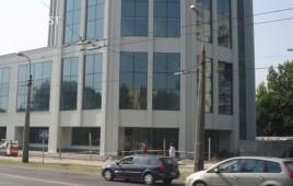 Budynek usług komercyjnych