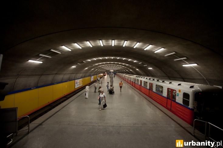 Miniaturka Stacja metra A-8 Wierzbno