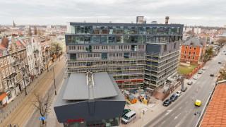 Biurowiec w Bydgoszczy z lat 60. przeszedł gruntowny remont. Efekt imponujący