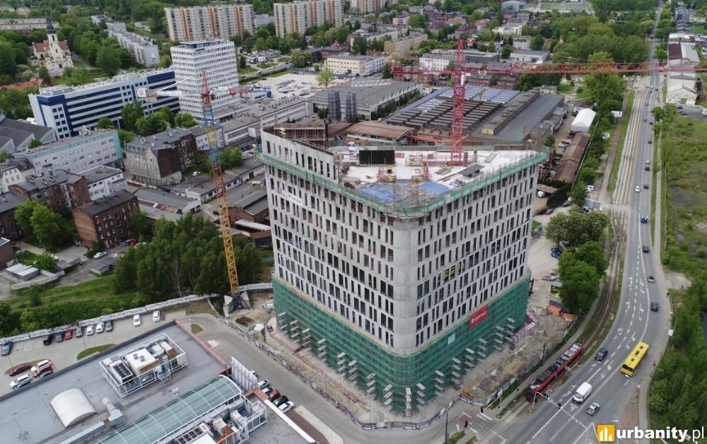 Nowoczesny biurowiec w Katowicach osiąga wysokość 55 metrów