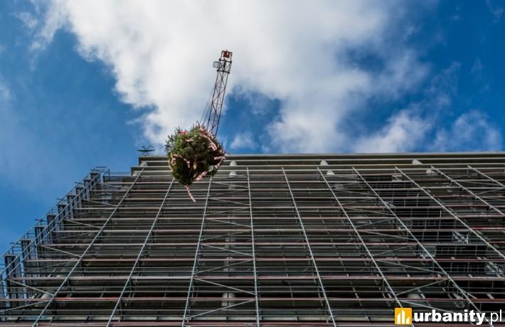 Wiecha na budowie budynku biurowego Agron