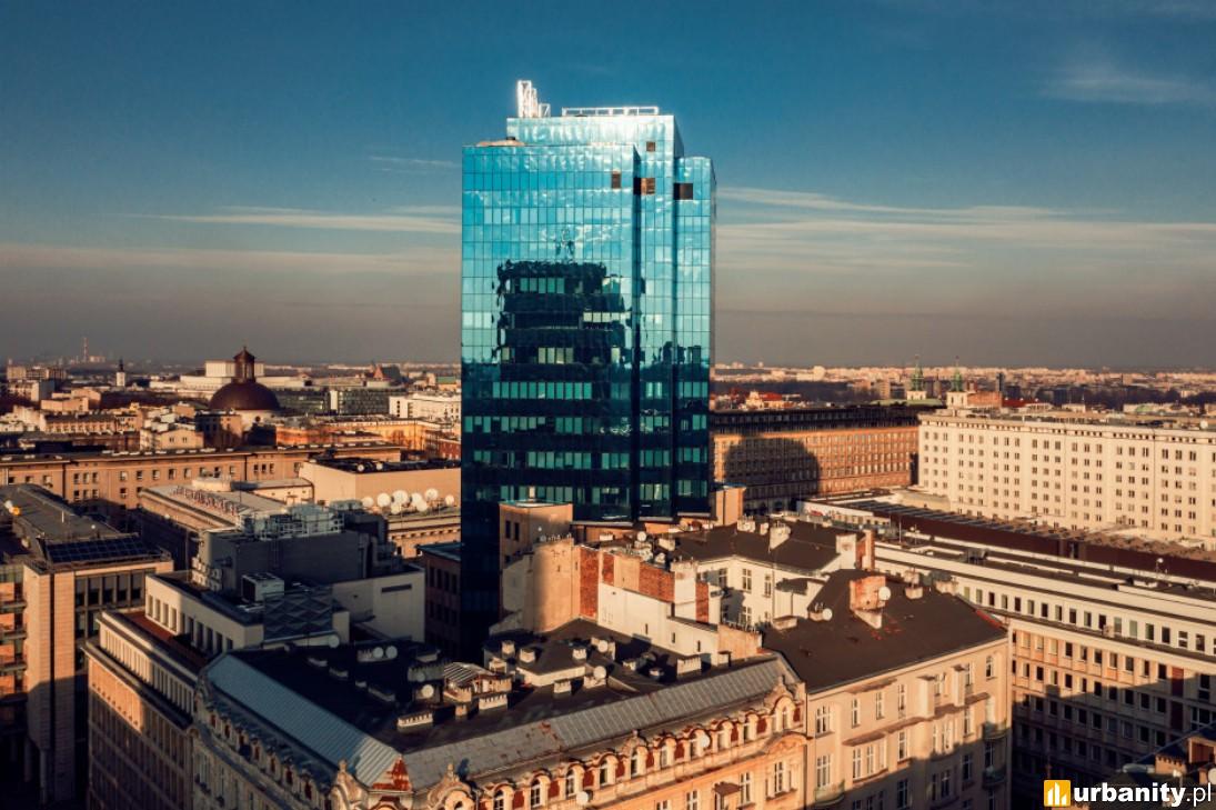Sprzedaż biurowca w centrum Warszawy, w którym biura ma m.in. Ministerstwo Finansów