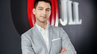 Adam Lis, Flexible Office Solutions Manager, JLL