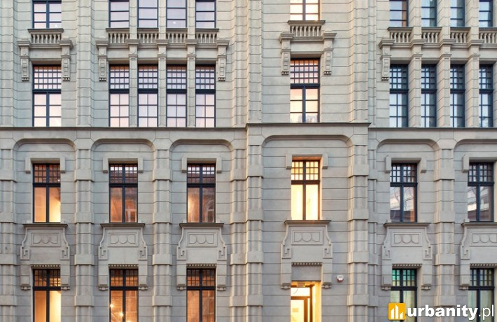 Frontowa elewacja budynku Sepia Office