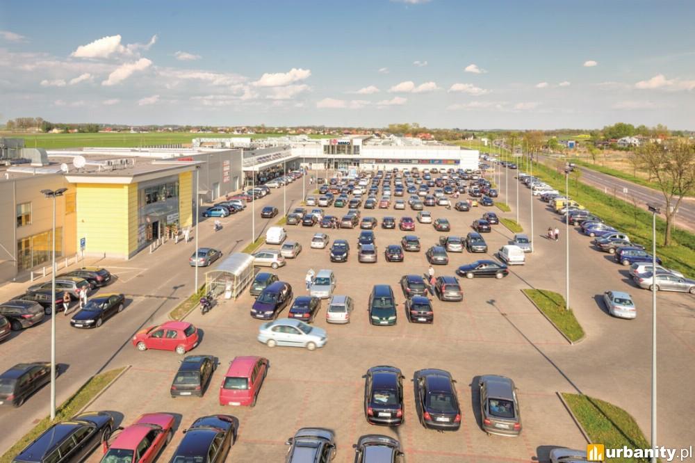 Nowe sklepy i przestrzeń w modernizowanym centrum handlowym w Ciechanowie