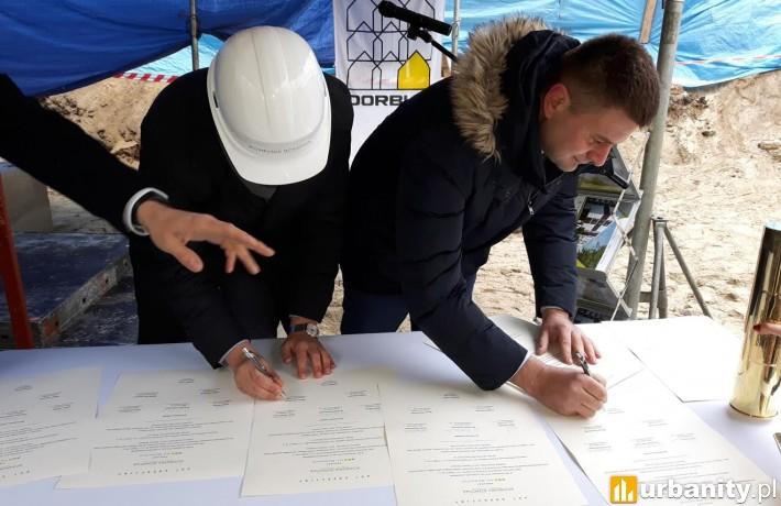 Podpisanie aktu erekcyjnego pod budowę inwestycji Na Bemowie