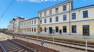 Pochodzący z 1885 roku dworzec w Skarżysku-Kamiennej zmienił swoje oblicze