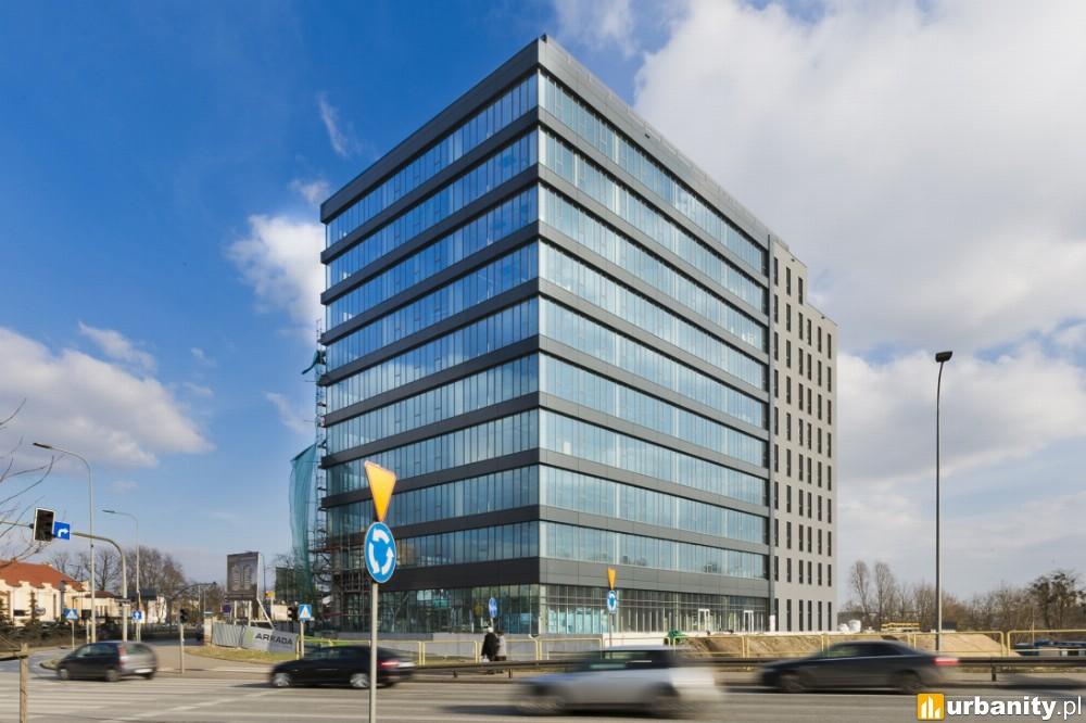 Pierwszy biurowiec Arkada Business Park już gotowy