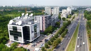 Charakterystyczny biurowiec Canal+ w Warszawie został sprzedany