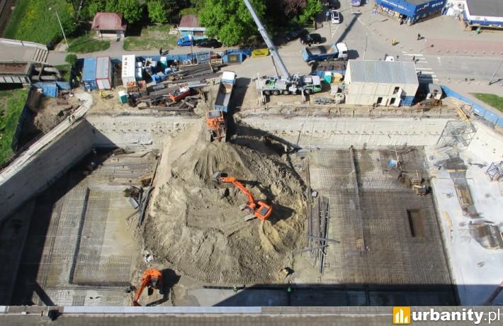 Postęp prac na budowie biurowca Chmielna 89