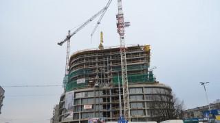 """""""Pająk"""" pomaga na budowie Hanza Tower w Szczecinie"""