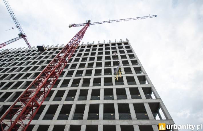 Wiecha na budowie biurowca Podium Park
