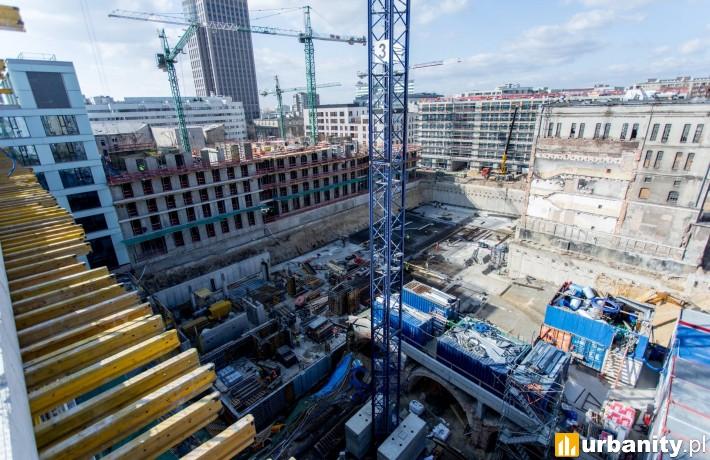 Tak obecnie wygląda budowa Biur przy Warzelni