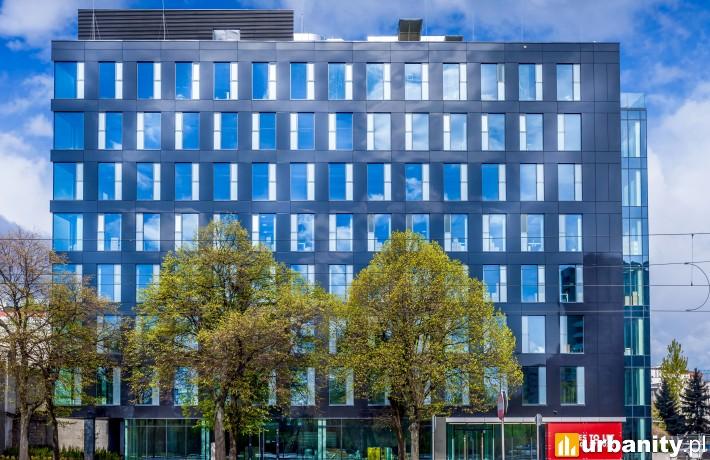 Biurowiec przy ulicy Grójeckiej 208 w Warszawie