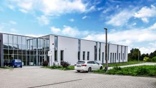 Budynek kliniki radioterapii z bunkrem akceleratora w Świętokrzyskim Centrum Onkologii w Kielcach