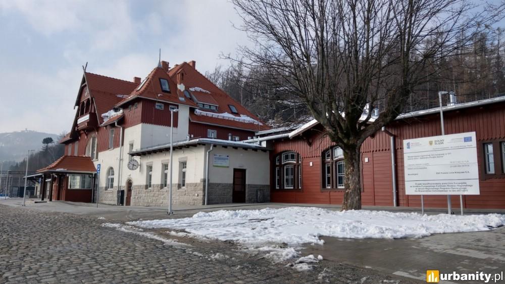 Otwarto dla podróżnych zmodernizowany dworzec w Szklarskiej Porębie