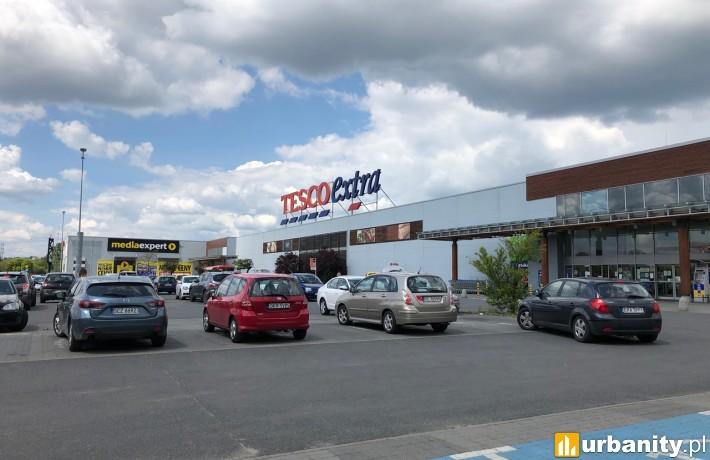 Hipermarket Tesco przy ulicy Drogowców w Częstochowie