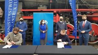 Podpisanie umowy na remont dworca w Stalowej Woli