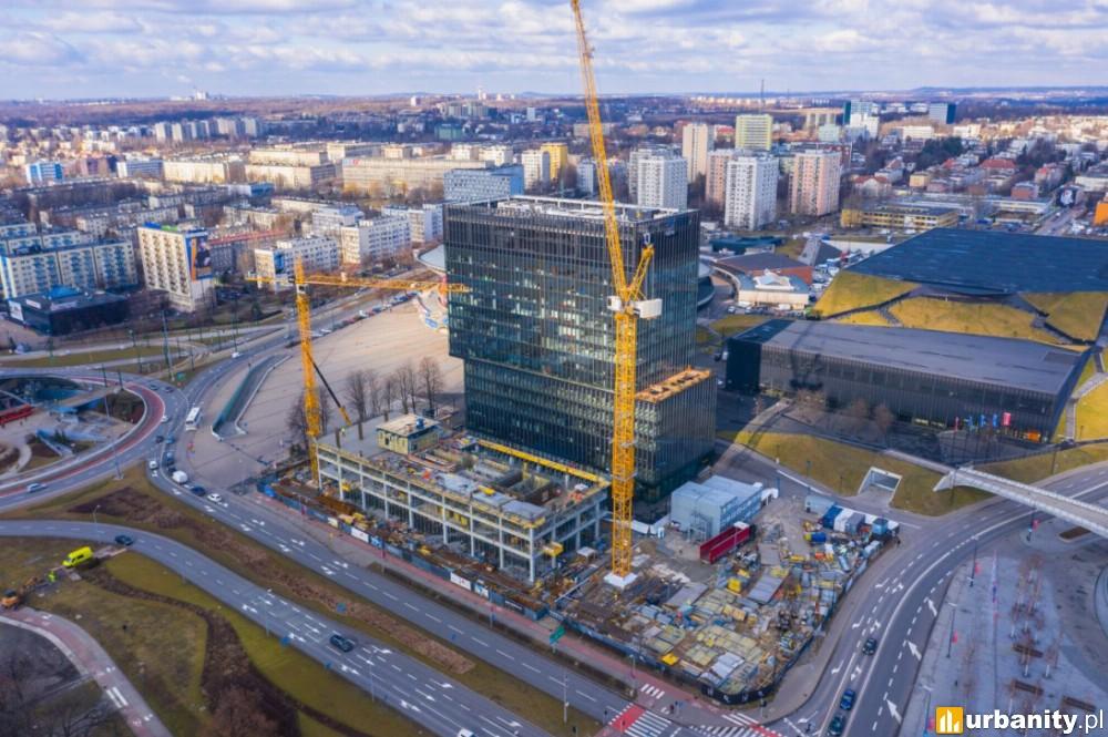 Sii Polska w biurowcu .KTW I, obok którego powstaje ponad 100-metrowy wieżowiec