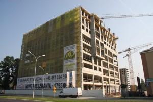 trwa budowa dziewiątego piętra