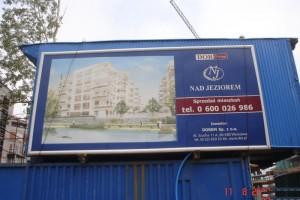 Tablica reklamowa inwestycji Nad Jeziorem
