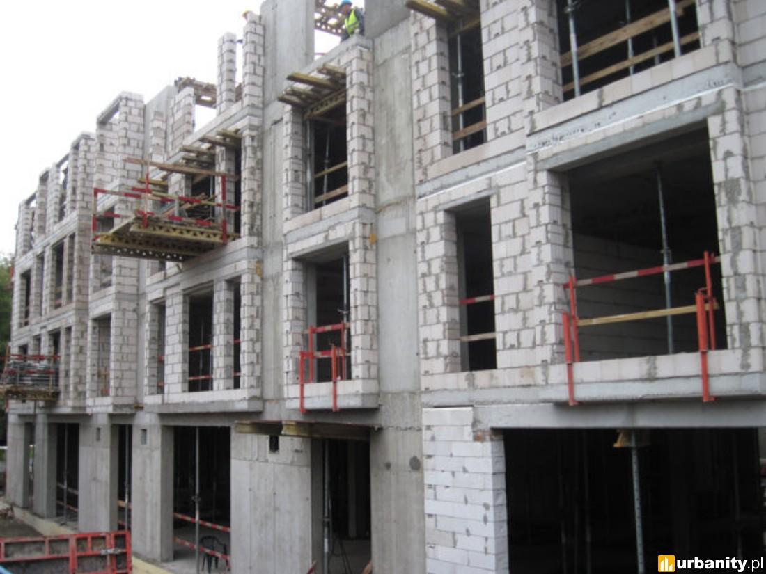 3 piętro -  postawienie elementów żelbetowych i ścian wraz z murowaniem ścian osłonowych