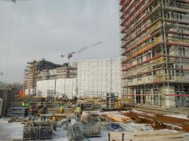 budynki nr 1 i 2 osiągnęły stan surowy otwarty, trwa montaż stolarki okiennej