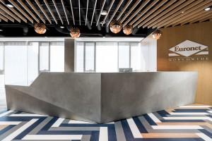 biuro Euronet - panele LVT Forbo Allura