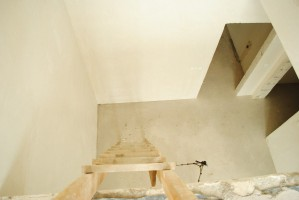 trwają prace na klatkach schodowych i tarasach